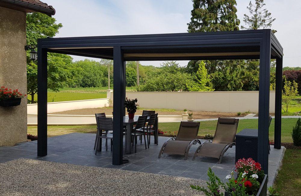 Pergola toiles Bioclimatique 5mx3m option toiles périphérique ouverte et toiture fermée